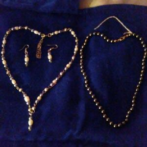 Jewelry - A FRESH water pearl set & onix necklace*